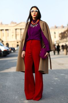 Everything about this look... amazing. #streetstyle #widelegpants