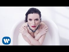 Laura Pausini - Ho creduto a me (Official Video) Borders Bookstore, Singing Contest, Latin Music, Pop Singers, My Favorite Music, Record Producer, Youtube, Videos, Album