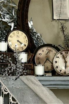 Really nice NYE ideas here: FOCAL POINT STYLING: CELEBRATE NEW YEARS EVE WITH THESE INSPIRATIONS!