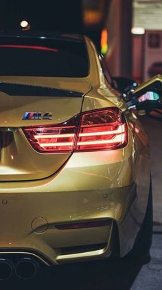 yellow bmw Bmw YellowYou can find Programme architecture and more on our website Luxury Sports Cars, Sport Cars, Bmw M4 Interior, Bmw 335i, Bmw M Series, Bmw Girl, Bmw M Power, Bmw Wallpapers, Bmw Autos