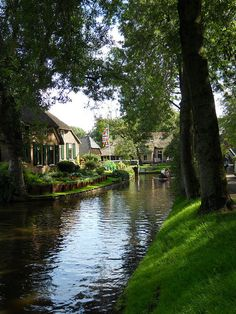 Giethoorn is an internationally well-known tourist attraction in the Netherlands. In the old part of the village, there were no roads (nowadays there is a cycling path), and all transport was done by water over one of the many canals. The lakes in Giethoorn were formed by peat unearthing.