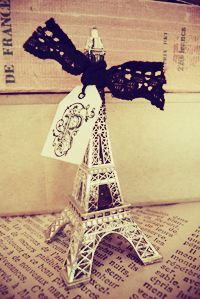 Shabby chic Eiffel Tower by Blanc & Caramel