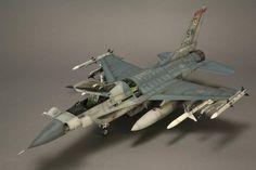F-16CJ Fighting Falcon   Tamiya 1:32
