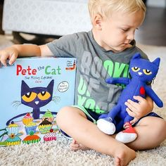 From Kimberly and James Dean's bestselling Pete the Cat series, help Pete and his friends solve the mystery of the missing cupcakes! 📸 @the.book.report Perfect Pizza, Reluctant Readers, Gifts For Readers, Pizza Party, Wedding Cupcakes, I School, Book Characters, Cool Cats, Bedtime