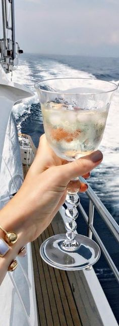 ❇Téa Tosh❇ Cheers!