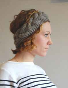 (via Tutorial Tuesday: Cable Knit Headband) Knit Headband Pattern, Knitted Headband, Knitted Hats, Crocheted Scarf, Headband Bun, Cute Headbands, Headband Tutorial, Knitting Patterns Free, Free Knitting