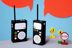 Crafts For Teenagers Of course, you have to make two of this cool walkie talkie! Crafts For Teens To Make, Summer Crafts For Kids, Spring Crafts, Diy Crafts To Sell, Easy Crafts, Police Crafts, Talkie Walkie, Camping Crafts, Dollar Store Crafts