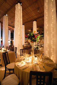 Make Your Wedding Memorable with These Winter Wedding Ideas - Choosing a theme for your wedding is quite challenging. Want to make a magical winter wedding theme on your wedding day? Maybe these ideas can inspire. Wedding Reception Decorations, Wedding Themes, Wedding Venues, Wedding Ideas, On Your Wedding Day, Fall Wedding, Dream Wedding, Elegant Wedding, Rustic Wedding