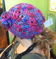 3dc32221513712 Low pony tail hats Crochet Beanie, Knit Crochet, Ponytail, Tricot Crochet,  Pony