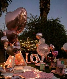 Balloons are synonymous with celebrations and an inexpensive way to make everyth… - Geburtstag Romantic Date Night Ideas, Romantic Surprise, Romantic Dates, Romantic Picnics, Romantic Dinners, 16th Birthday, Birthday Parties, Boyfriends 21st Birthday, Bridal Shower Balloons