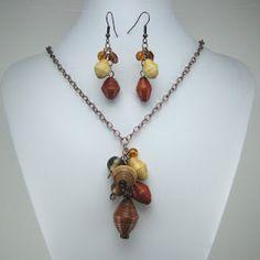 Enter to win this set I made with Rwandan paper beads - HandmadeMN: HandmadeMN Giveaway ~ Deeder the Beader