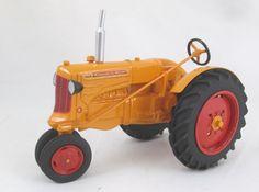 Wally Hooker Minneapolis Moline Z Antique Tractors, Old Tractors, Minneapolis Moline, Farm Toys, 4x4, Trucks, Models, Miniatures, Tractors