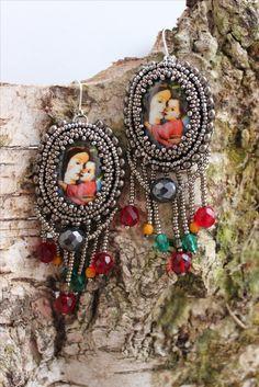 Earrings with Madona.