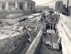 La imatge mostra, a principis dels anys 50, les obres de construcció de l'estació de Fabra i Puig de la línia 1 de #metrobcn.