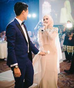 Malay Wedding Dress, Kebaya Wedding, Muslimah Wedding Dress, Muslim Wedding Dresses, Hijab Bride, Muslim Brides, Wedding Gowns, Bridesmaid Dresses, Wedding Hijab Styles