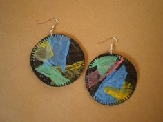 Log in or register to view Plastic bag earrings Plastic Straw Crafts, Fused Plastic, Recycled Plastic Bags, Upcycled Crafts, Diy Crafts For Kids, Arts And Crafts, The Paper Kites, Palm Frond Art, Plastic Carrier Bags