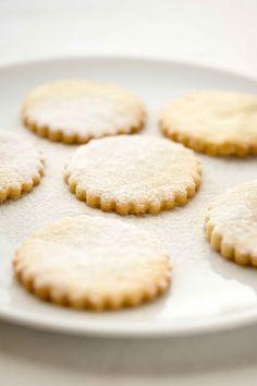 Biscotti semplici di frolla.