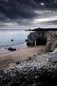 Situated in the Morbihan region of Brittany, the Presqu'ile de Quiberon is a French Peninsula that use to be an island. Landscape Photography, Nature Photography, Photo Bretagne, Brittany France, Visit France, France Travel, Wonders Of The World, Mother Nature, Beautiful Places
