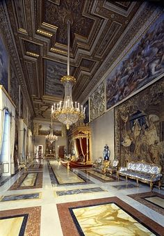 The Quirinal Palace , Palazzo del Quirinale is a historic building in Rome, Italy, the current official residence of the President of the Italian Republic. Palazzo, Palace Interior, Luxury Homes Interior, Classical Architecture, Architecture Design, Hallway Designs, Italian Villa, Grand Homes, Building Design