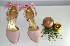 Vaša aj naša obľúbená ružovopúdrová - NUDE eko koža lakovaná so zdobením  a svadobné topánky na 6 cm opatku. Úpravy podľa želania klientky. svatební obuv, společenksá obuv, spoločenské topánky, topánky pre družičky, svadobné topánky, svadobná obuv, obuv na mieru, topánky podľa vlastného návrhu, pohodlné svatební boty, svatební lodičky, svatební boty se zdobením,topánky pre nevestu Character Shoes, Dance Shoes, Fashion, Moda, La Mode, Dancing Shoes, Fasion, Fashion Models, Trendy Fashion