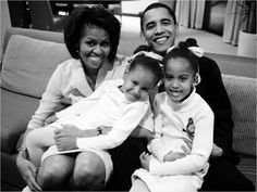 Michelle Obama prioritizes family dinner and has since the kids were young! Do you? #healthyhabits