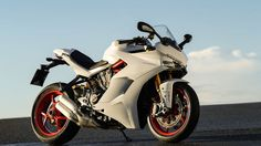 First Ride Review: 2017 Ducati SuperSport S