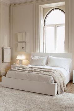 vintage mod bedroom white on white.
