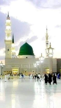 Al Masjid An Nabawi, Mecca Masjid, Masjid Al Haram, Islamic Images, Islamic Pictures, Islamic Art, Medina Mosque, History Of Islam, Mekkah