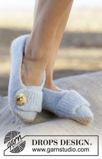 """Dolphin Toes - Felted DROPS slippers in """"Eskimo"""". Size 35-44. - Free pattern by DROPS Design"""