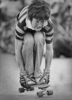Glorieuses photos d'enfants ayant du plaisir sans écran et sans Internet.  Circa 1976 : La planche à roulettes. (Denver Post/Getty Images)