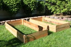 DIY Raised Vegetable Beds for Under $30 - using fence boards which are cheap and durable.  Want to do this!