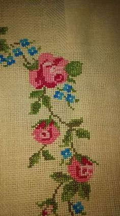 Cross Stitch Borders, Pretty Cool, Diy Crafts, My Favorite Things, Rugs, Wallpaper, Bath Towels & Washcloths, Cross Stitch, Embroidery