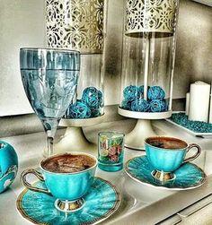 """Képtalálat a következőre: """"turkish coffee shop"""" Coffee Vs Tea, Coffee Is Life, Coffee Cafe, Coffee Shop, Coffee Lovers, Turkish Coffee Cups, Turkish Tea, Coin Café, Coffee Presentation"""