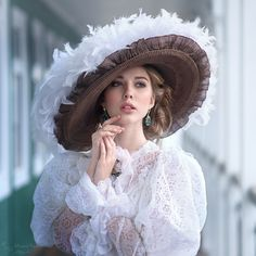 Annual international photography award In photographers took part. More than uploaded photos. Fantasy Photography, Girl Photography, Victorian Fashion, Vintage Fashion, Edwardian Style, Princess Aesthetic, Look Fashion, Fashion Design, Classic Beauty