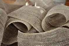 Tons of burlap crafts