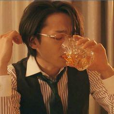 のりさんはInstagramを利用しています:「☆ #中村倫也 くん #Oggi . 白シャツさんのボタンを外した襟元にパクッと飛び込みたい(๑⃙⃘・н・๑⃙⃘)パクッ そして、ん〜ジョリってる~😕と文句をつけたい😏」 Japanese, Actors, Beautiful, Instagram, Japanese Language, Actor