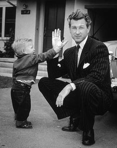 Jeff Bridges with his father Lloyd Bridges, 1951