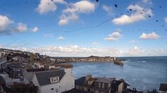 Seagull Skytrails: An Echo Time-Lapse Reveals the Flight Path of Birds over Cornwall, England  http://www.thisiscolossal.com/2015/02/seagull-skytrails-paul-parker/