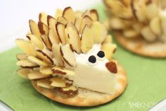 Adorably cheesy animal appetizers - Hedgehog cheese and crackers!