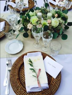White tablecloths with beige runner, rattan charger and avignon glasses. Wedding Table, Wedding Reception, Luxury Services, Tablecloths, Siena, Wedding Locations, Got Married, Rattan, Catering