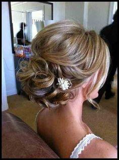 50 Beautiful Wedding Hair UPDO Styles - Page 3 of 3 - Fashion 2015 50 schöne Hochzeit Ha Medium Long Hair, Medium Hair Styles, Short Hair Styles, Updo Styles, Long Curly, Elegant Wedding Hair, Wedding Hair Flowers, Wedding Simple, Trendy Wedding