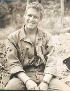 George Peppard (I was often told he was my look-a-like 20 years ago) George Peppard, Hollywood Stars, Classic Hollywood, Old Hollywood, Famous Veterans, Military Veterans, Military Guys, Military Service, Thanks For The Memories