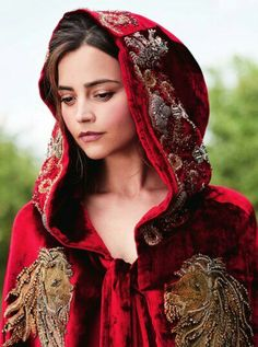 She looks like the wife of a Lannister in that cloak