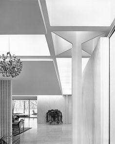 Eero Saarinen's Miller House, Columbus, Indiana.  Great interior shot.