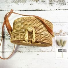 Lining Material: Woven Wood, PolyesterNumber of Handles/Straps: SingleTypes of bags: Shoulder & Crossbody BagsShape: CircularHardness: HardSize: Small, Large Women Clothing Stores Online, Round Bag, Types Of Bag, Summer Bags, Crossbody Shoulder Bag, Large Bags, Purses And Handbags, Ladies Handbags, Fashion Bags