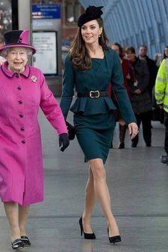 Estilo Kate Middleton, Kate Middleton Style, Royal Fashion, Suit Fashion, Princess Charlotte Dresses, Tea Party Outfits, Princesse Kate Middleton, Princess Katherine, Queen Kate