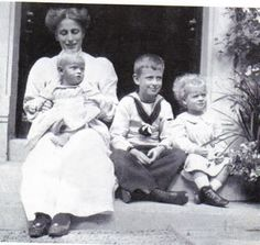 Another photo of Queen Louise of Sweden when she was still Princess Louise of Battenberg.  With her is her baby brother, Prince Louis, and nieces, Princess Theodora ( on her lap) and Princess Margarita, the children of Louise's older sister, Princess Alice.