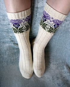 Knitting Patterns Socks Ravelry: corvid& The Scottish Thistle … the socks for you Fiona, you will have to get your mu. Fair Isle Knitting, Knitting Socks, Hand Knitting, Knit Socks, Ravelry, Scottish Thistle, Tartan, Patterned Socks, Knitting Projects
