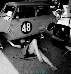 I'm taking my mini to this garage! Mini Cooper Classic, Classic Mini, Classic Cars, Grid Girls, Sexy Cars, Hot Cars, Up Auto, Auto Rent, Mini Morris