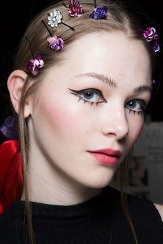 hair tip of the day: girly accessories deluge